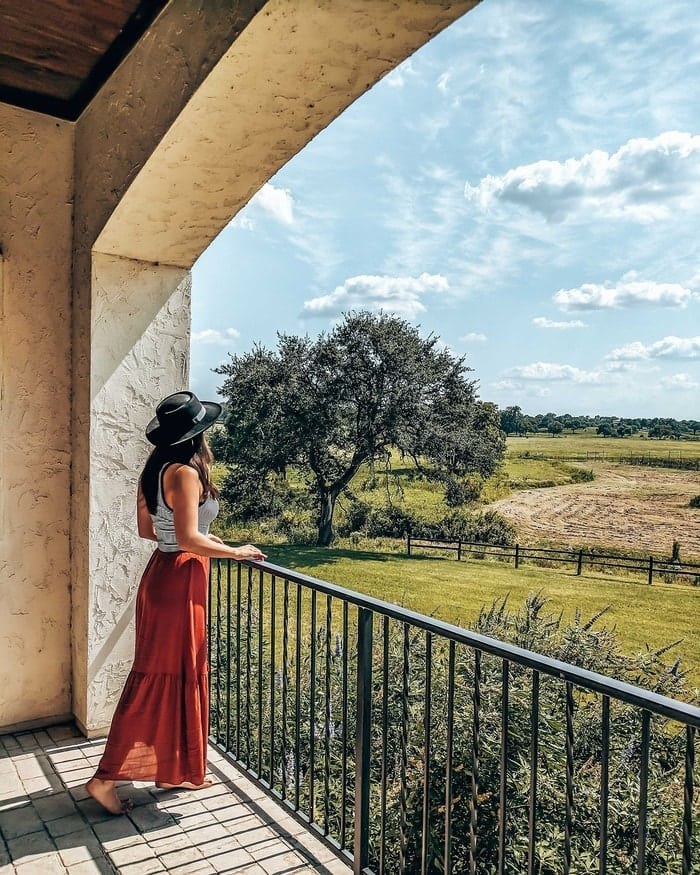 A VINEYARD BOUTIQUE HOTEL IN FLORENCE, TX
