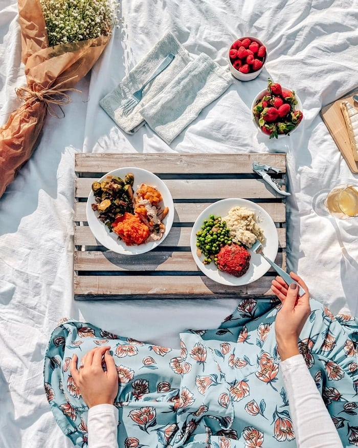 How to Create A Picture Perfect Picnic