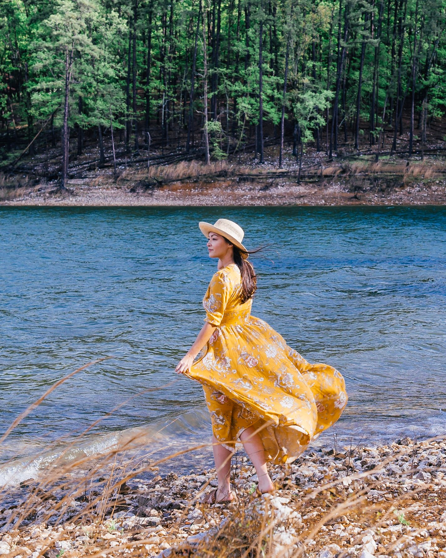 girl at broken bow lake