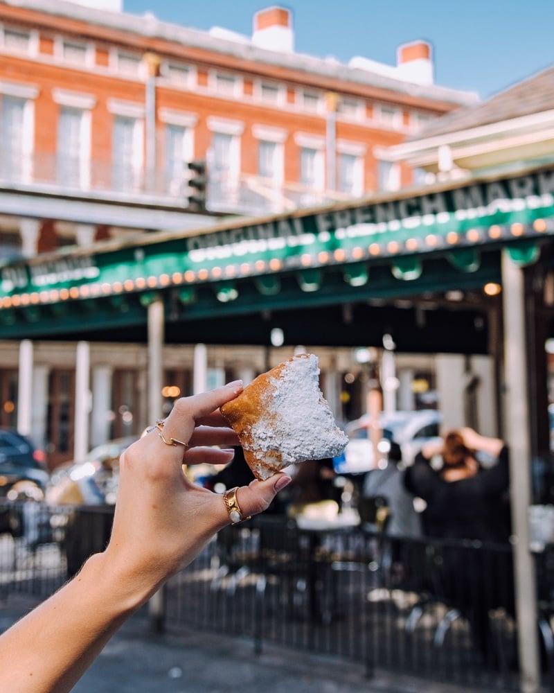 Cafe du Monde beignet New Orleans French Quarter